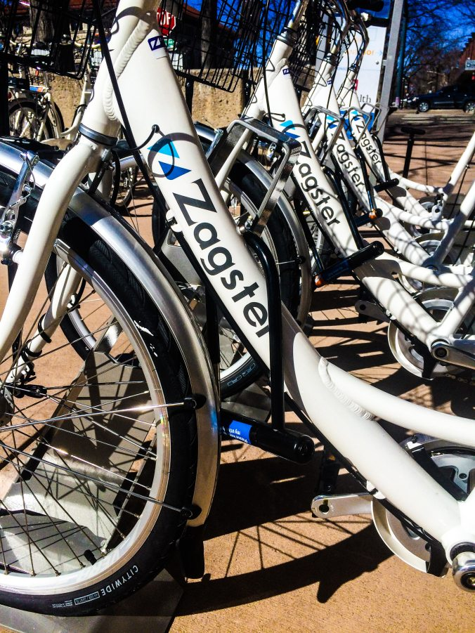 A row of new Zagster bikes at the Oak and College station.